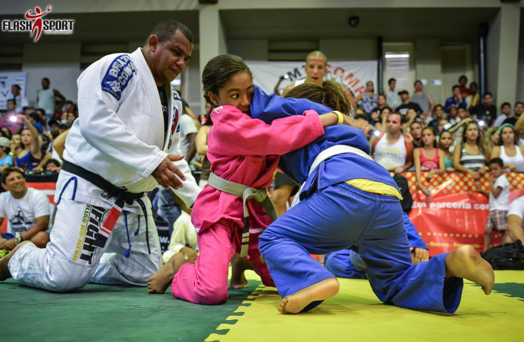 A criançada mostrou habilidade no Festival Kids da Copa Alfabarra. Foto: Divulgação