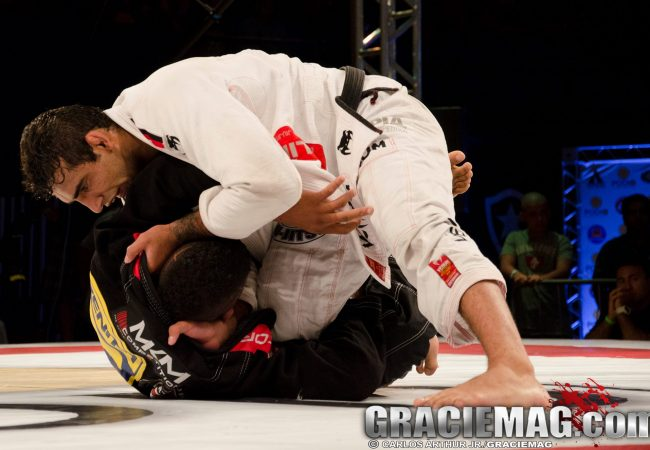 Watch how Leandro Lo finished Gilbert Burns at Copa Podio