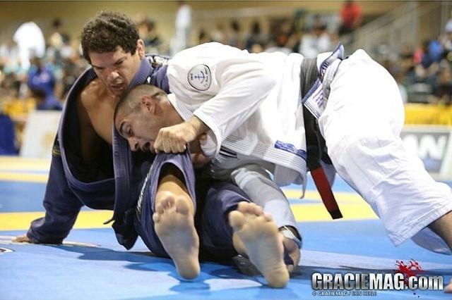 Estude o armdrag no Jiu-Jitsu, e afie a raspagem de gancho