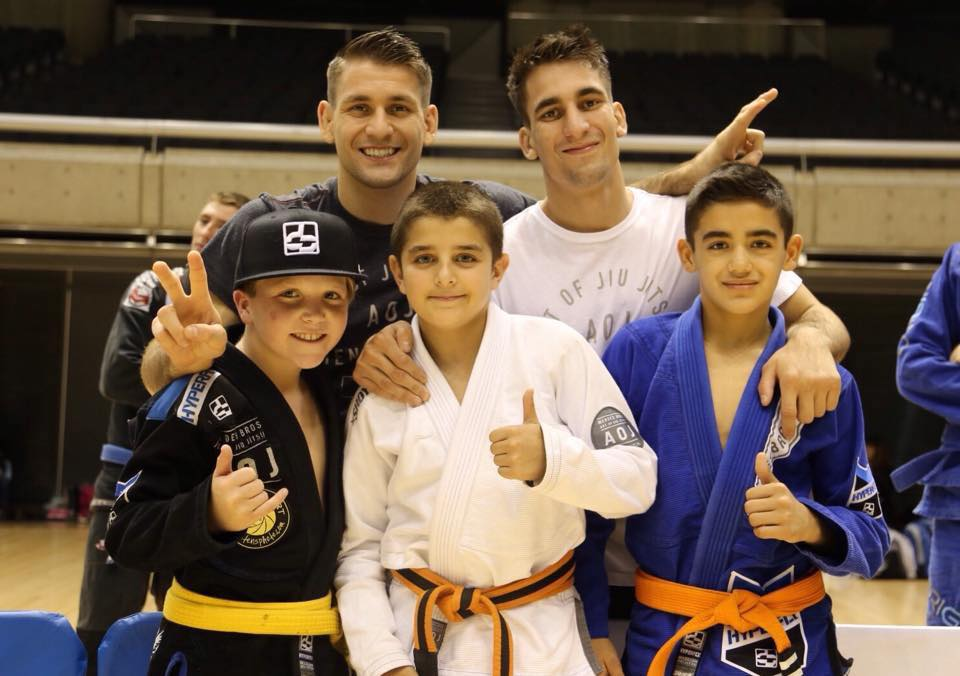 With the kids of AOJ. Photo: Personal archive