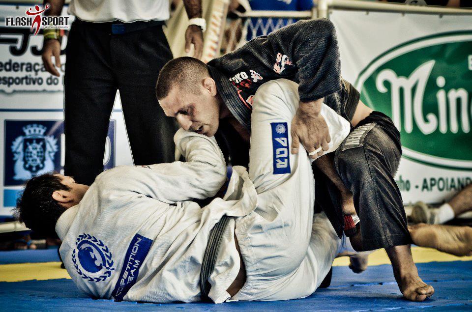 Organizador da Copa América, Raphael Abi-Rihan adora competir no Jiu-Jitsu. Foto: Flashsport
