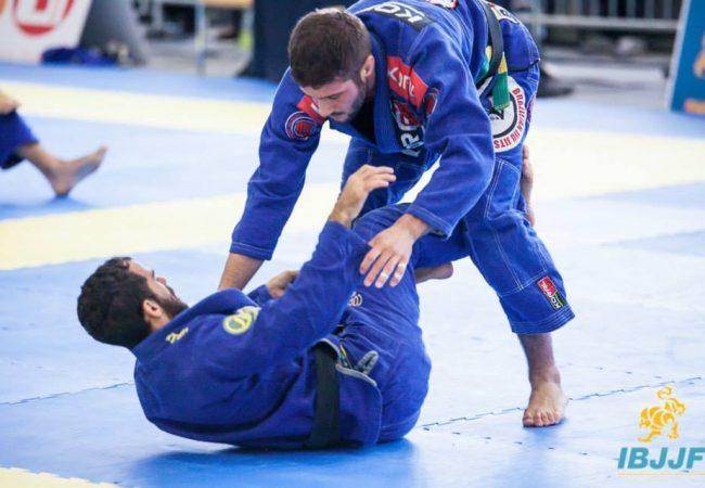 A chave de pé que garantiu o título absoluto no Munique Open de Jiu-Jitsu