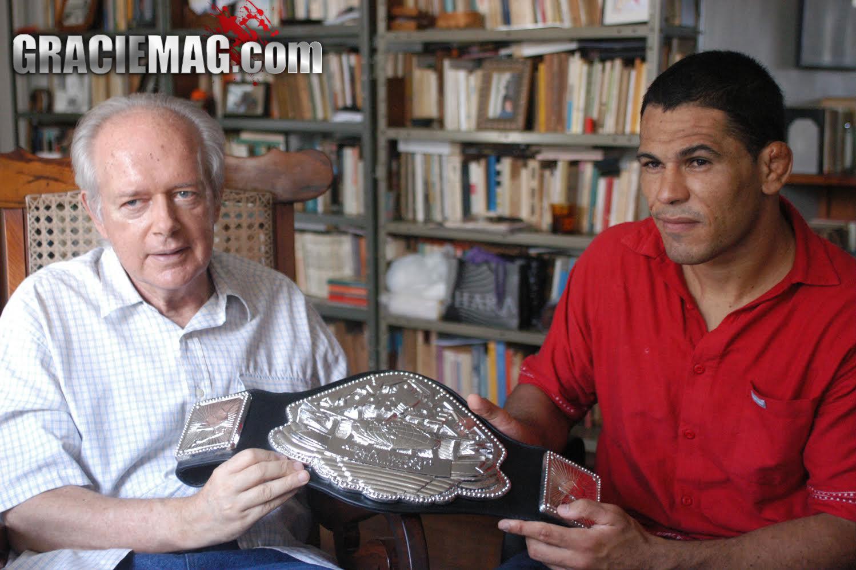Rodrigo Minotauro e Leandro Konder em foto de Luca Atalla GRACIEMAG 2003