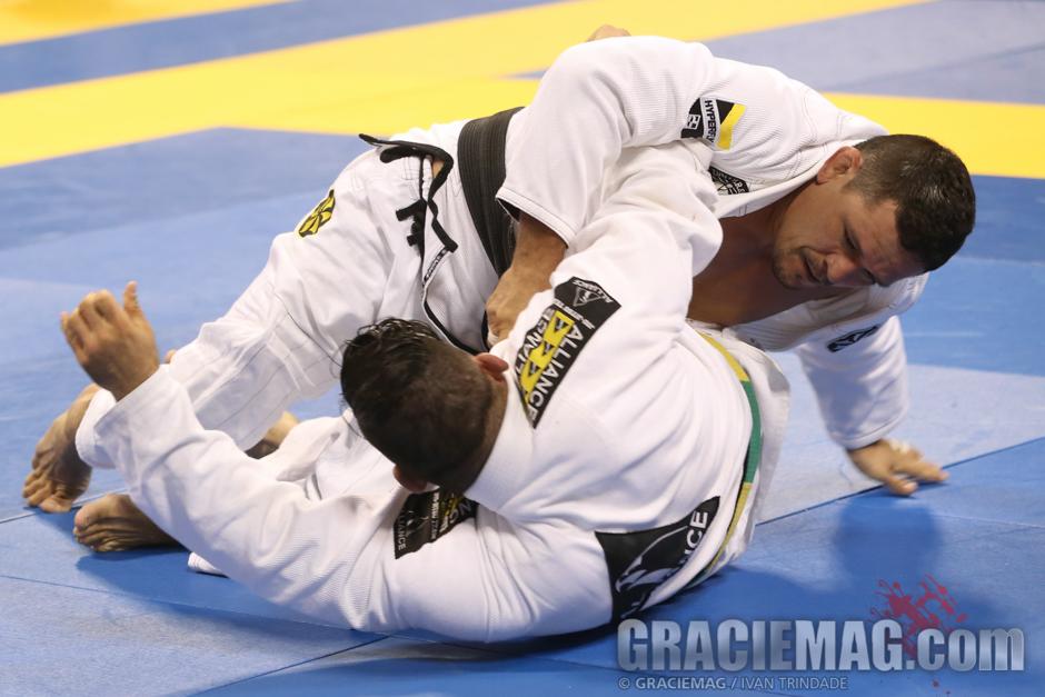 Saulo em ação no Mundial de Masters.  Foto: GRACIEMAG