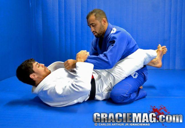 Jiu-Jitsu: Aprenda com Cara de Sapato a raspar e finalizar da guarda fechada