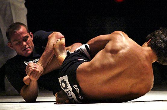 Video: Jeff Glover's elastic guard in No-Gi Jiu-Jitsu