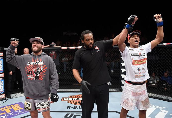 Com a vitória sobre Stephens, Charles ficou entre os 10 melhores do peso-pena. Foto: UFC/Divulgação