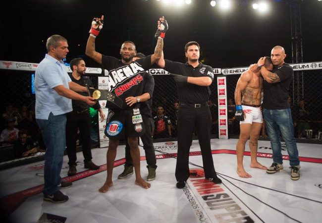 Jiu-Jitsu: o triângulo que salvou Ary Santos no MMA Super Heroes