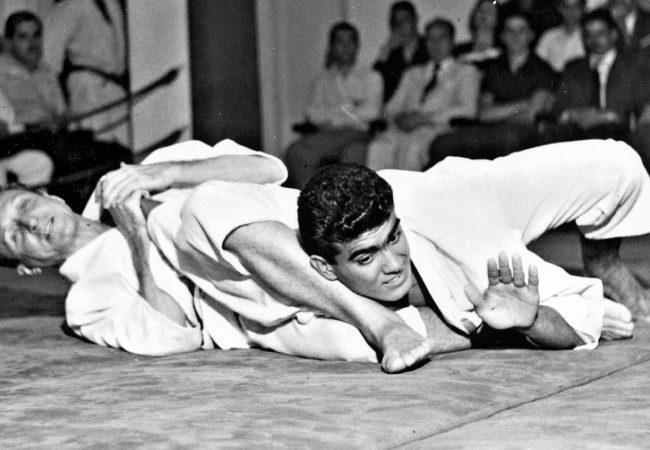 Vídeo: Veja como era a guarda e o Jiu-Jitsu há cem anos neste registro histórico