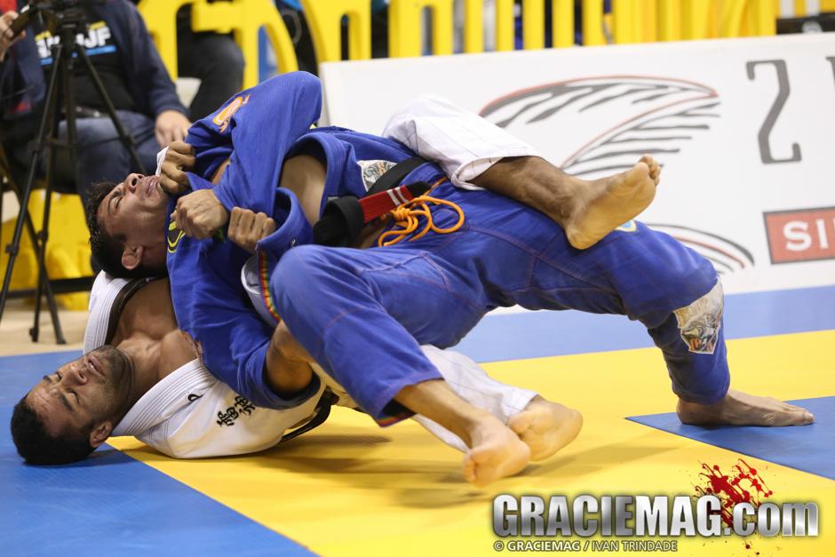 Vitor Oliveira vs. Marcelo Mafra