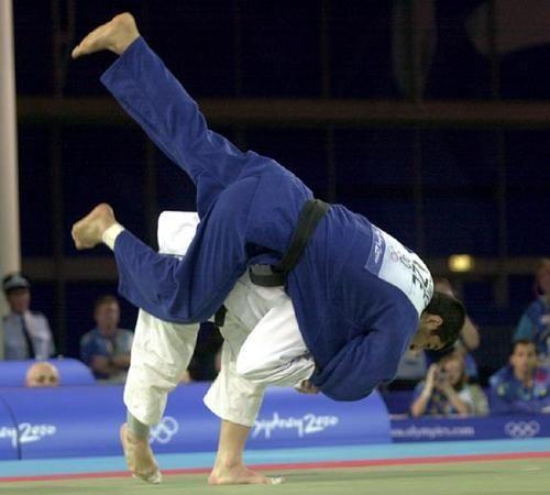 Aprenda 10 métodos para derrubar no Jiu-Jitsu com o ippon seoi nage