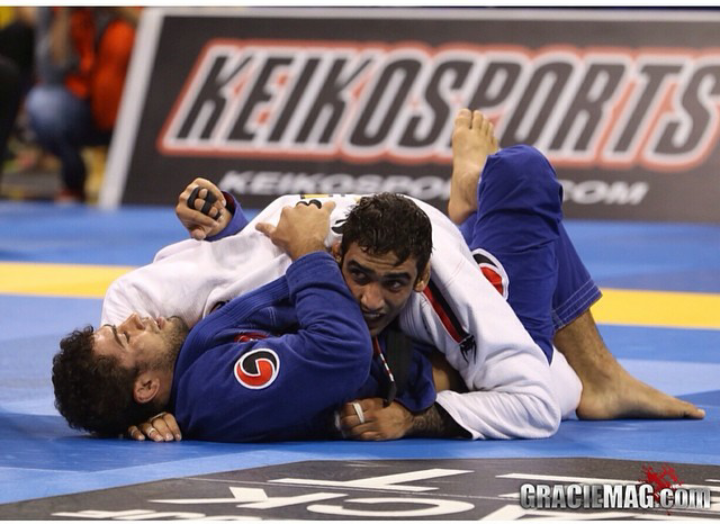 Leandro Lo against Otavio Sousa in the World's middleweight final. Photo: Ivan Trindade / GRACIEMAG