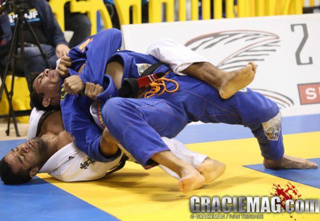 Video: Vitor Oliveira chokes from the back to win gold at the Houston Open Jiu-Jitsu championship