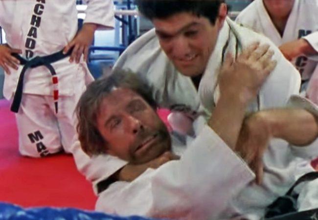 Vídeo: O dia em que Chuck Norris batucou para o Jiu-Jitsu