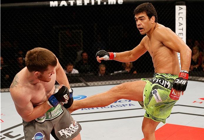 A brutal canelada de Lyoto Machida no UFC Barueri. Foto: Josh Hedges/Zuffa LLC via Getty Images