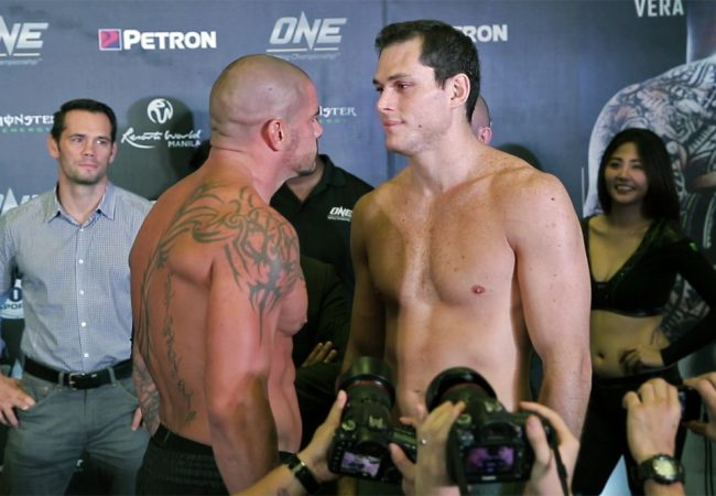 Vídeo: As encaradas de Roger Gracie, Bibiano e Herbert na pesagem do One FC