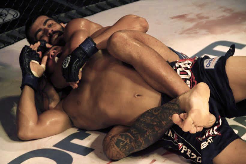 Capoeira e seu mata-leão vencedor no Jungle 75. Foto: Divulgação