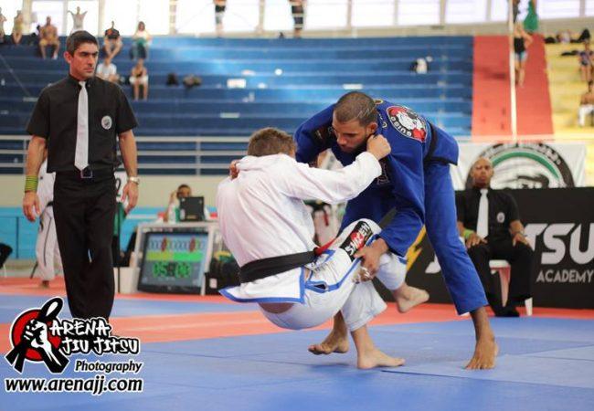 Jiu-Jitsu: O atalho acrobático para as costas e a finalização de Erbeth Santos