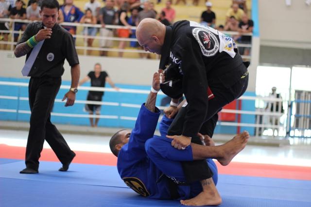 Erberth Santos faz guarda. Foto: Marco Aurélio/ Arena Jiu-Jitsu