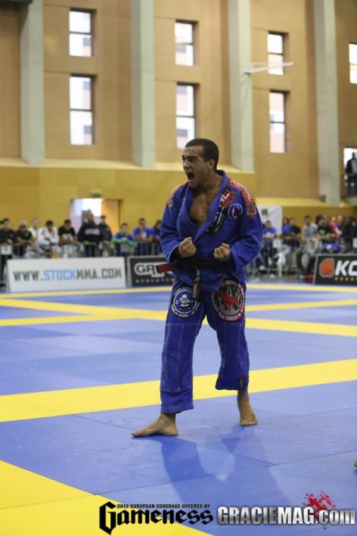 Marcio Andre celebra ouro na faixa preta no Europeu