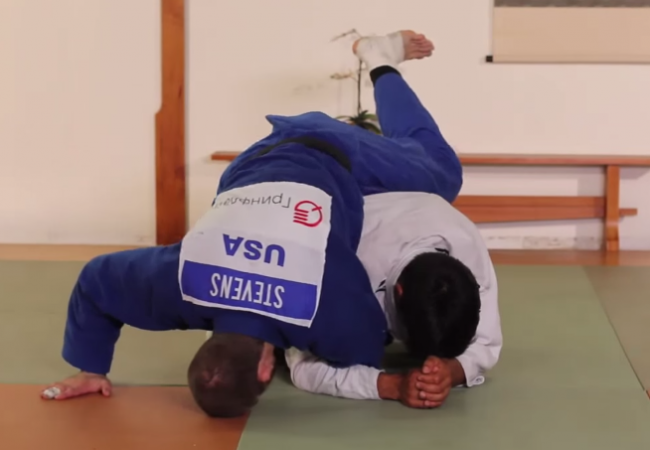 Video: Submit with an armbar when opponent turtles with judo Olympian Travis Stevens