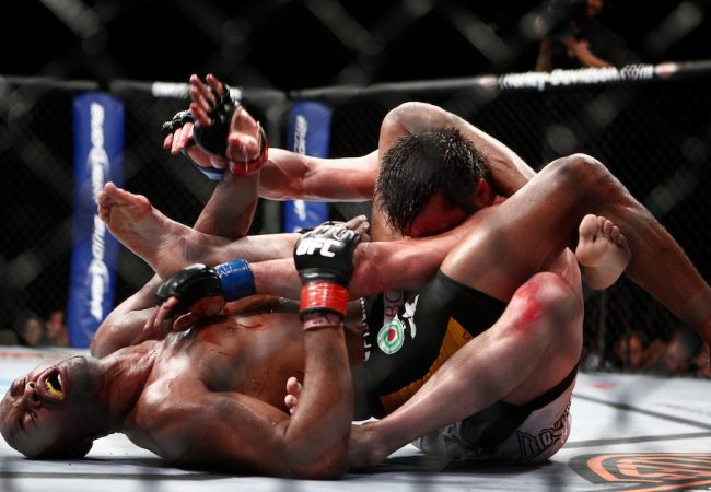Jiu-Jitsu: Anderson Silva ensina triângulo que finalizou Chael Sonnen no UFC