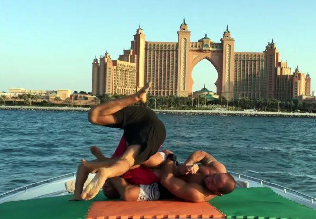 Jiu-Jitsu: O treininho de Roberto Cyborg nas águas de Dubai