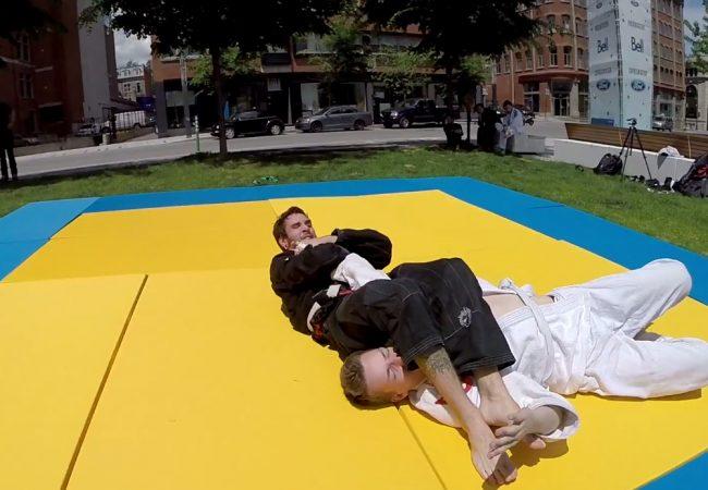 Vídeo: Um treininho de Jiu-Jitsu ao ar livre numa praça do Canadá