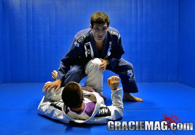 Jiu-Jitsu: Defenda a De La Riva, passe e estrangule, com Victor Genovesi