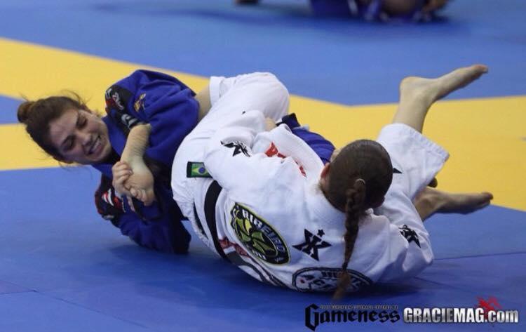 Mackenzie Dern em ação no Jiu-Jitsu. Foto: Arquivos Graciemag