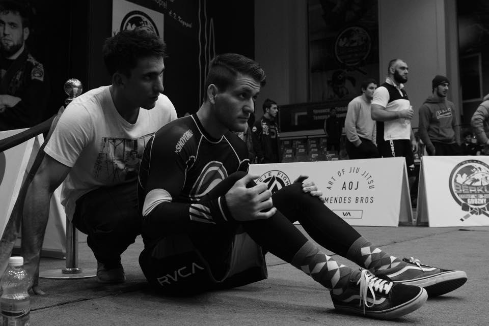 Gui and Rafa preparing for Rafa's superfight. Photo: Nick the Tooth