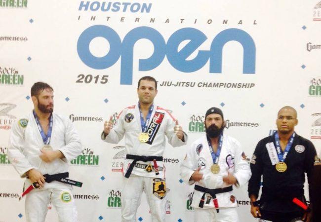 Finte o pescoço e vá no braço, com Diego Gamonal no Houston Open