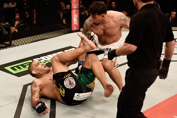 Vídeo: O nocaute relâmpago de Frank Mir em Antônio Pezão no UFC