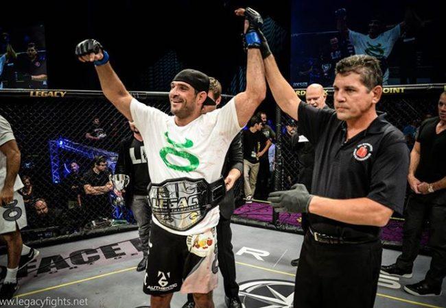 Campeão no Jiu-Jitsu e no MMA, Léo Leite disputa cinturão do Iron Fight 10 POP
