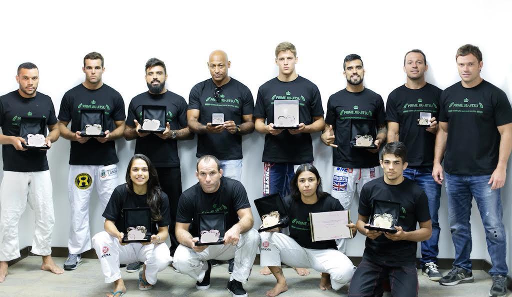 Após a temporada de 2014, lutadores e professores foram premiados por iniciativa da Federação Gaúcha de Jiu-Jitsu. Foto: FGJJ/Divulgação