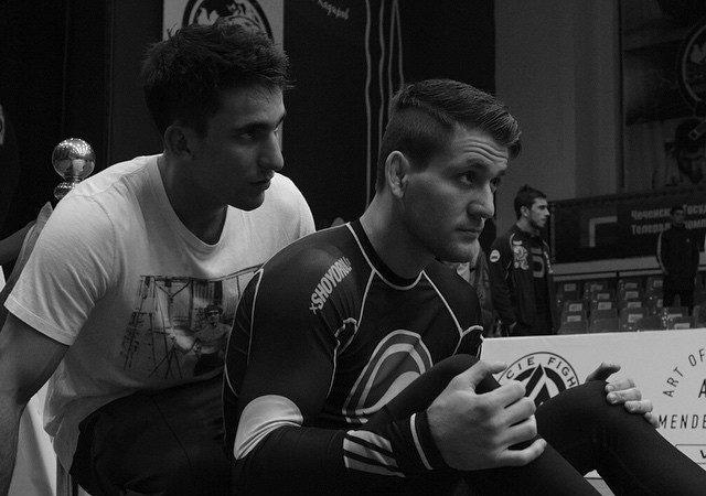 Na Chechênia, Gui e Rafael Mendes vencem superlutas até a finalização