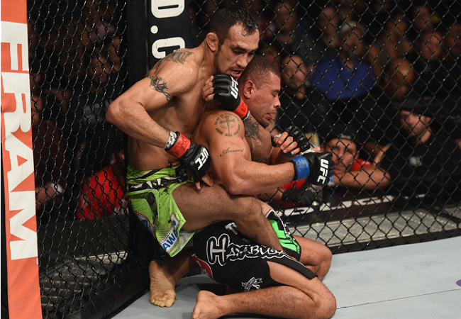 Jiu-Jitsu no UFC: a pegada de costas e o mata-leão de Tony Ferguson