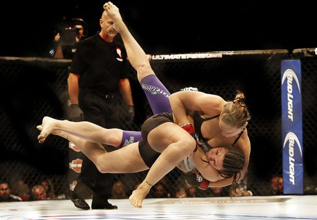 Vídeo: Inspire seu Jiu-Jitsu com grandes quedas que funcionaram no MMA