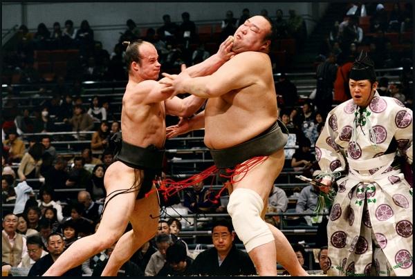 Vídeo: No sumô como no Jiu-Jitsu, a prova que a técnica vence a força bruta