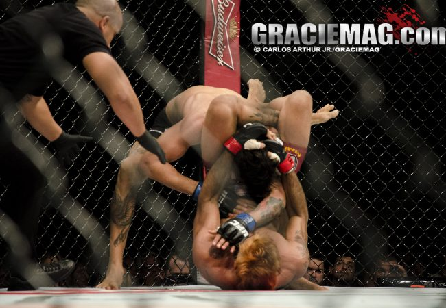 Como o faixa-preta Godofredo Pepey engatilhou o triângulo voador no UFC Rio