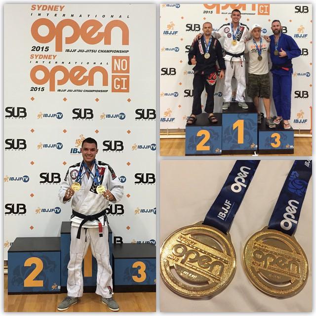 O brasileiro Willan Dias comemora seu ouro duplo no Sidney Open. Foto: Reprodução/Instagram