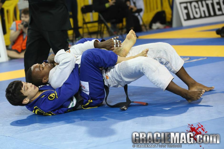 João Miyao in action this weekend at the 2015 Chicago Open. Photo: Ivan Trindade/GRACIEMAG