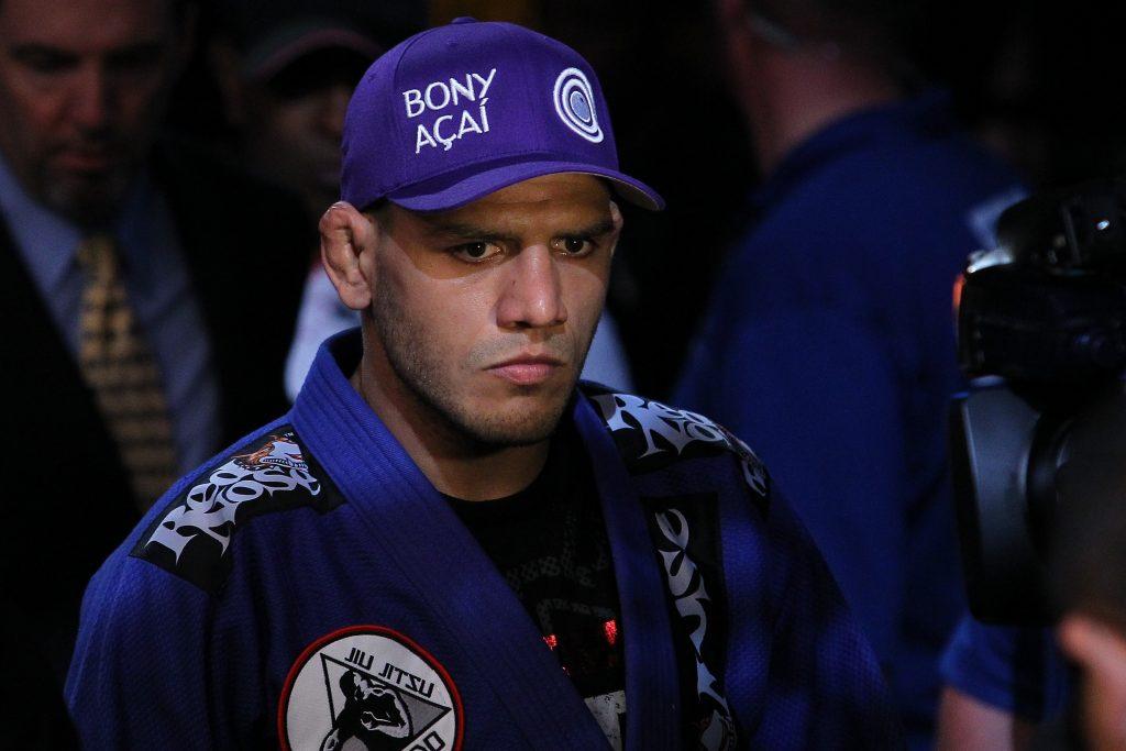 Representante do Jiu-Jitsu e fera na trocação, Dos Anjos terá McGregor pela frente. Foto: Zuffa LLC via Getty Images