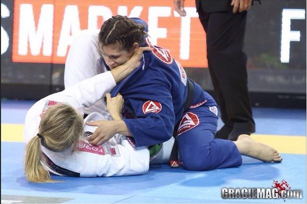 Ana Laura conquistou mais uma medalha no Jiu-Jitsu. Foto: Ivan Trindade/GRACIEMAG