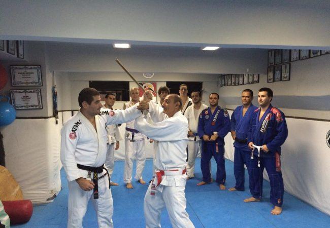 Defesa de facada no Jiu-Jitsu, com mestre Pierino De Angelis