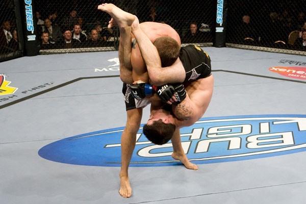 Jiu-Jitsu no UFC: o armlock suave e eficiente de Matt Brown