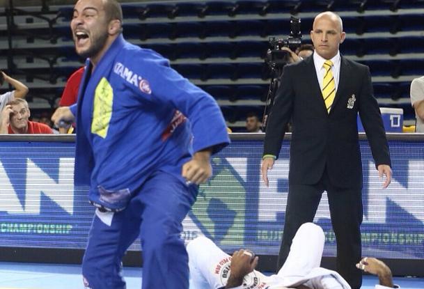 Pan de Jiu-Jitsu 2015: a meia-guarda e a defesa do campeão absoluto Bernardo Faria