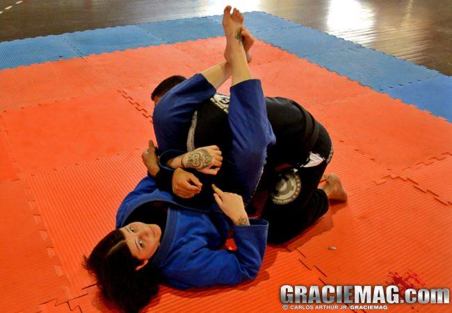 Jiu-Jitsu: Contra-ataque a defesa do armlock com Talita Treta