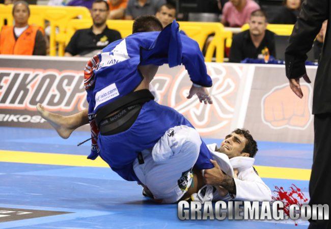 Vídeo: Leandro Lo ensina raspagem clássica do seu jogo no Jiu-Jitsu