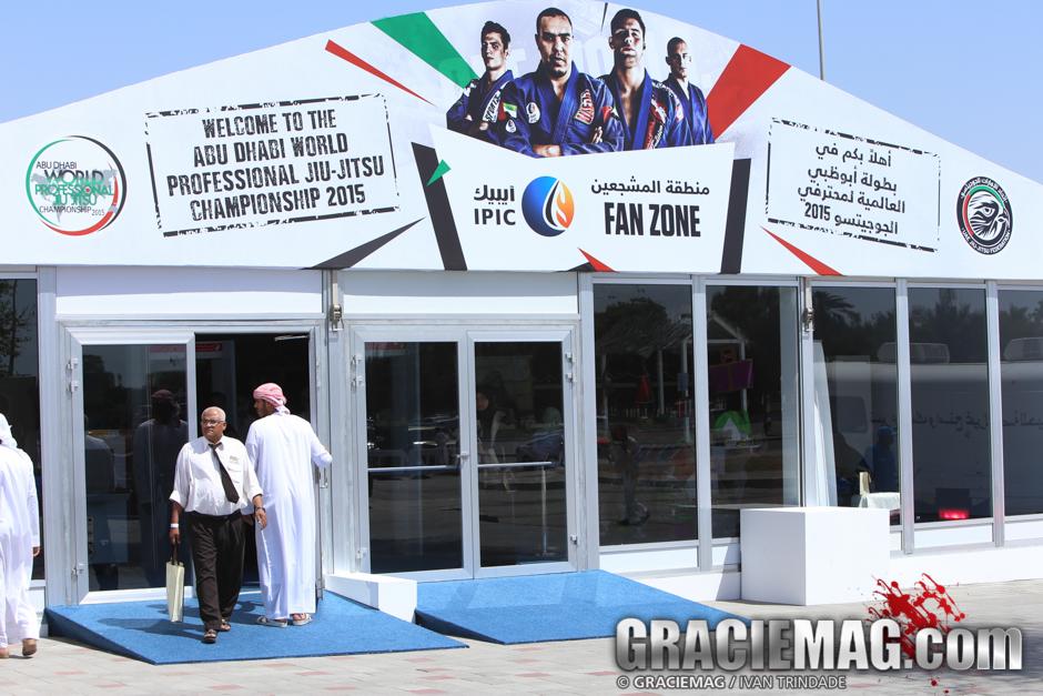 Entrada do ginásio em Abu Dhabi. Foto: Ivan Trindade/GRACIEMAG